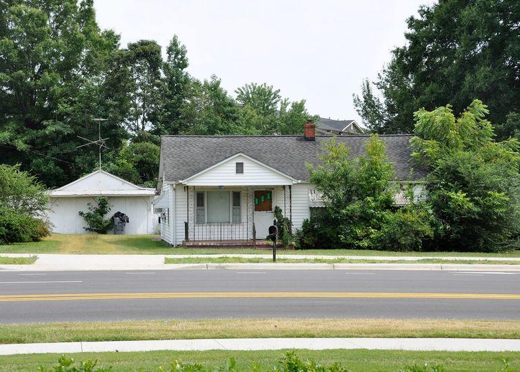 7132 The Plaza Road Charlotte, NC 28215