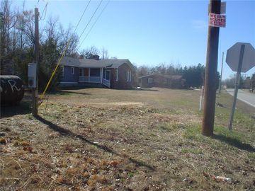 7384 Midway School Road Thomasville, NC 27360 - Image