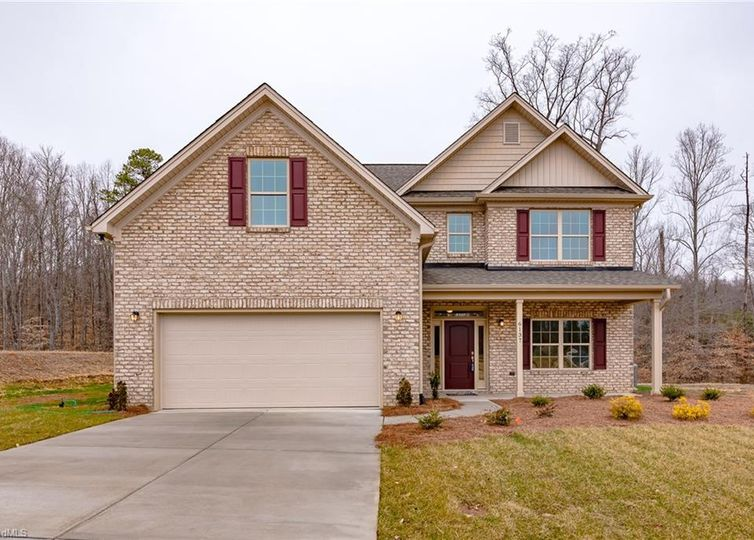 6137 Barrington Oaks Drive Clemmons, NC 27012