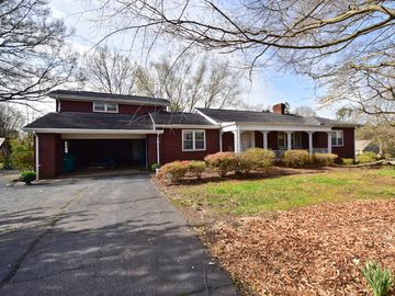 515 W Murphy Street Madison, NC 27025 - Image 1