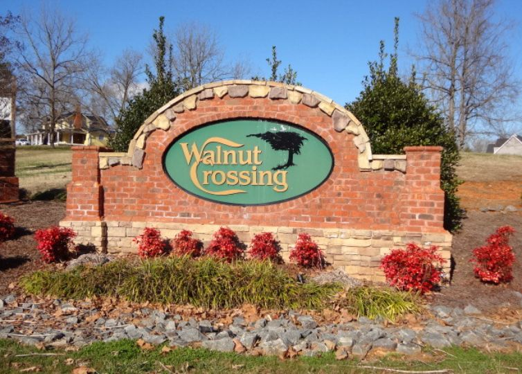 2140 Walnut Crossing Run Yadkinville, NC 27055