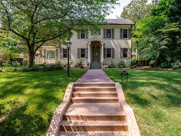 2018 Radcliffe Avenue Charlotte, NC 28207 - Image 1