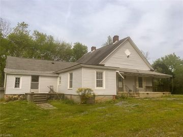 716 Knox Road Mcleansville, NC 27301 - Image