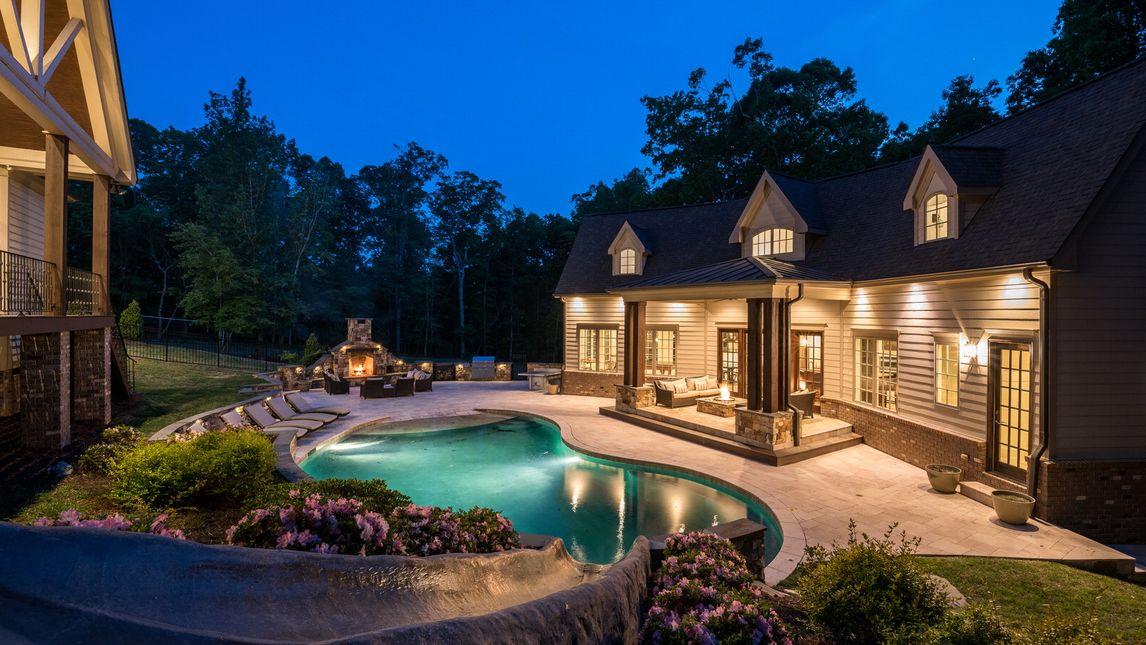 310 Villa Drive photo #1
