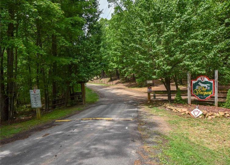 1940 Vineyard Road Westfield, NC 27053