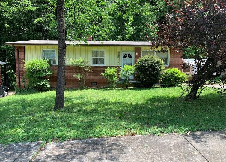 612 Ellwood Drive High Point, NC 27260