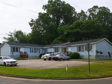 3000 Ingleside Avenue Greensboro, NC 27405 - Image
