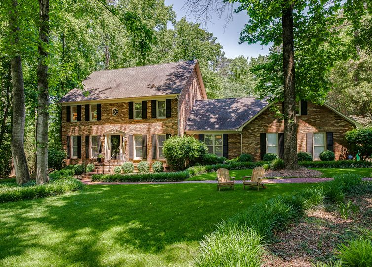 2405 Cross Country Road Charlotte, NC 28270