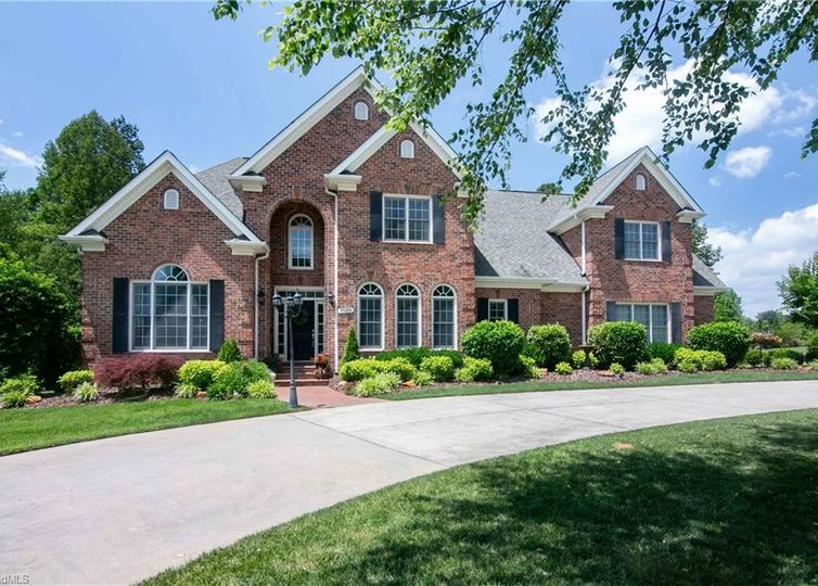 7589 Haw Meadows Drive Kernersville, NC 27284