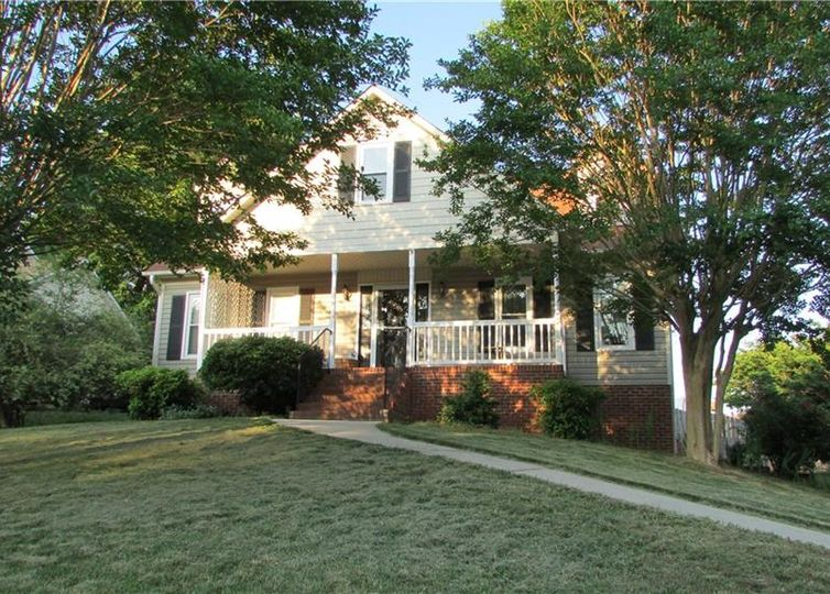 1711 Harper Spring Drive Clemmons, NC 27012