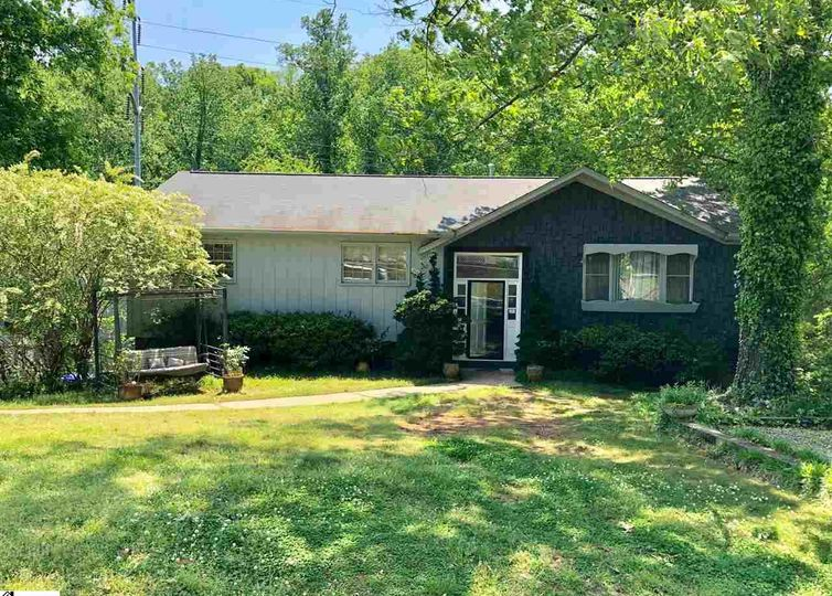 224 Lowndes Avenue Greenville, SC 29607