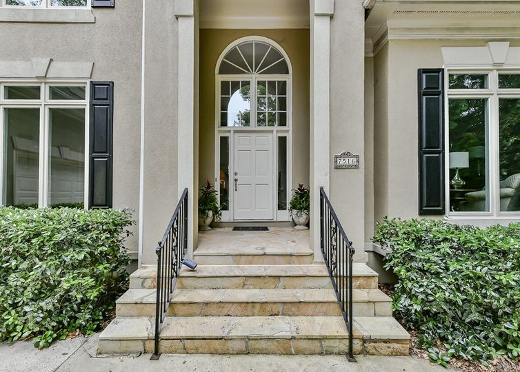 7516 Seton House Lane photo #1