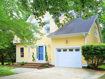 103 Fairfield Court Chapel Hill, NC 27516 - Image