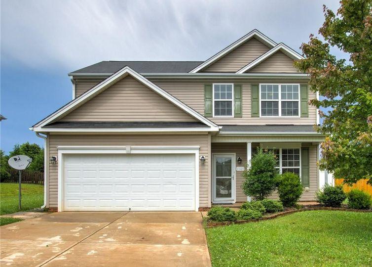 5504 Oakgate Drive Greensboro, NC 27405