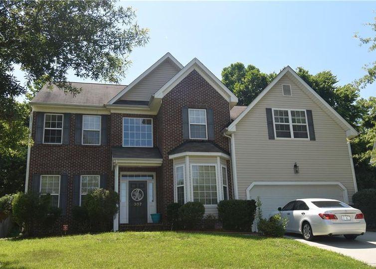 307 Jamestown Oaks Drive Jamestown, NC 27282