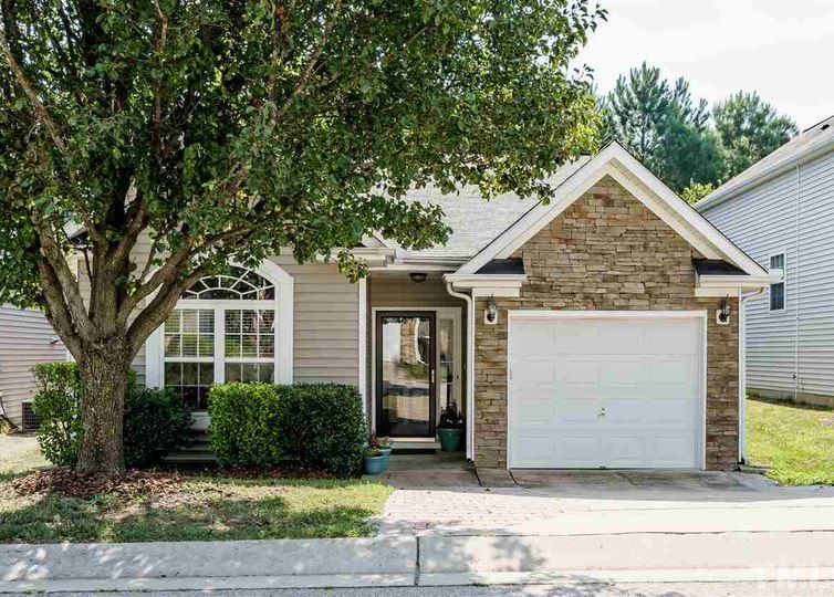 4848 Tommans Trail Raleigh, NC 27616