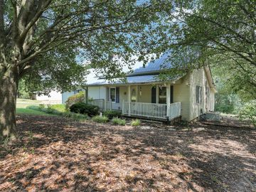 240 Outz Road Townville, SC 29689 - Image 1