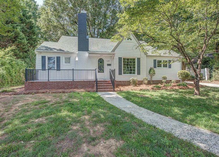 219 W Glendale Avenue Mount Holly, NC 28120