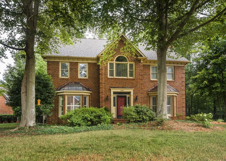 3904 Hobbs Road Greensboro, NC 27410