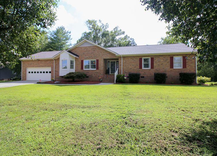 8212 Laurel Oak Court Harrisburg, NC 28075