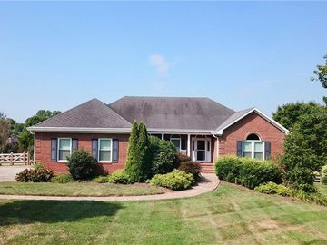 127 Isleworth Court Advance, NC 27006 - Image 1
