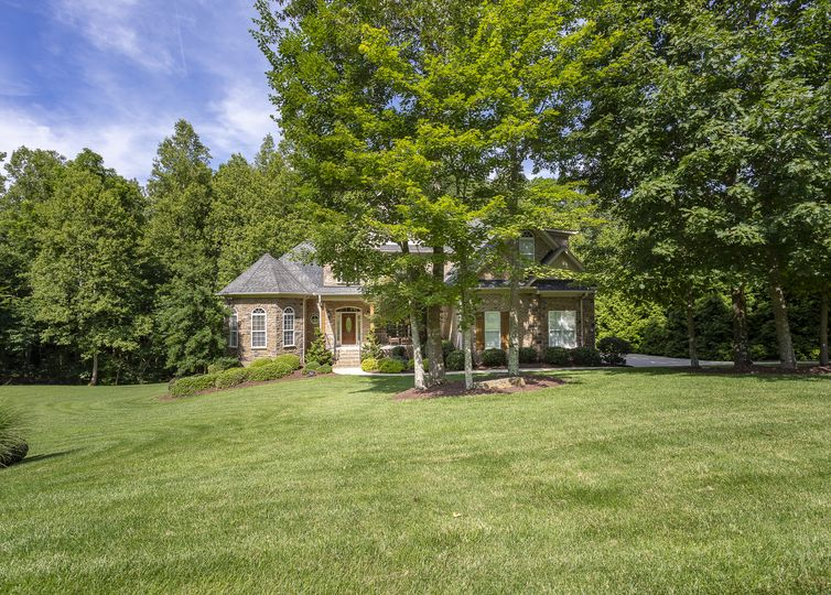 7813 Charles Place Drive Kernersville, NC 27284