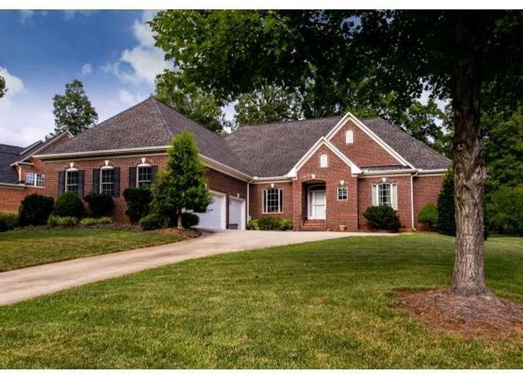 706 Golf House Rd Whitsett, NC 27377