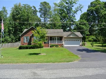 104 Hillcrest Road Thomasville, NC 27360 - Image 1