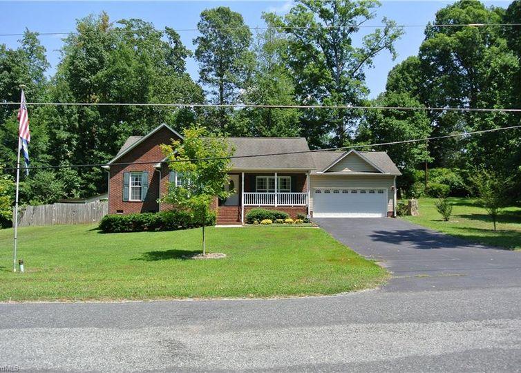 104 Hillcrest Road Thomasville, NC 27360