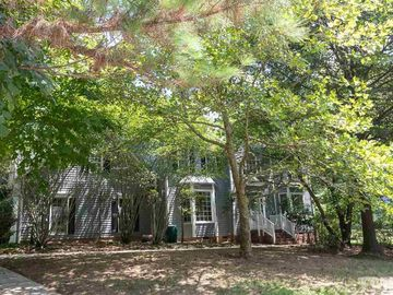209 Stratford Drive Chapel Hill, NC 27516 - Image 1