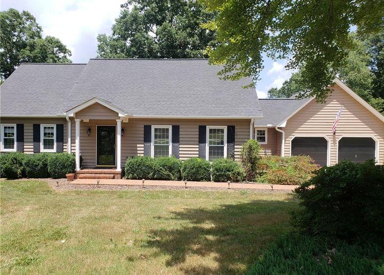 5015 Edinborough Road Greensboro, NC 27406