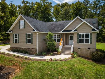 235 Riverbank Court Seneca, SC 29678 - Image 1