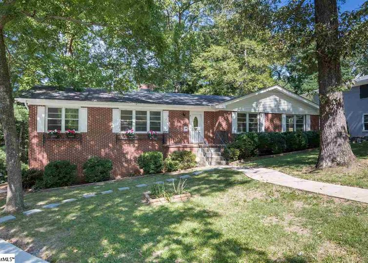 1 Lockwood Avenue Greenville, SC 29607