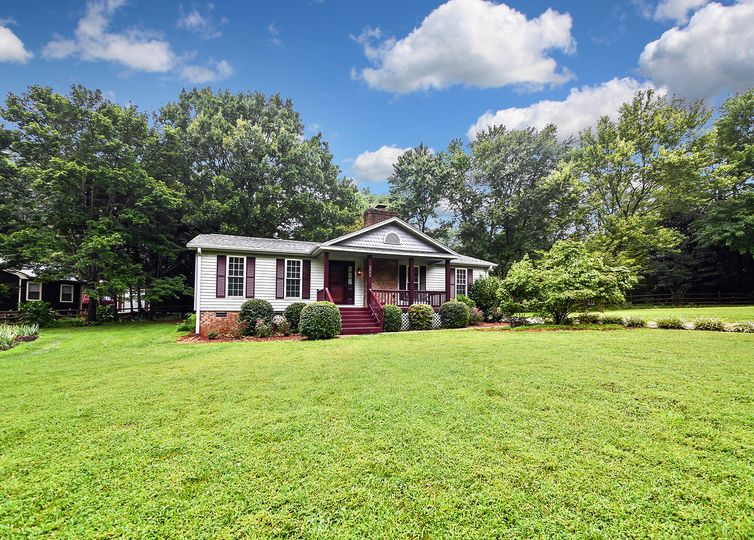 3052 Winding Trail Matthews, NC 28105
