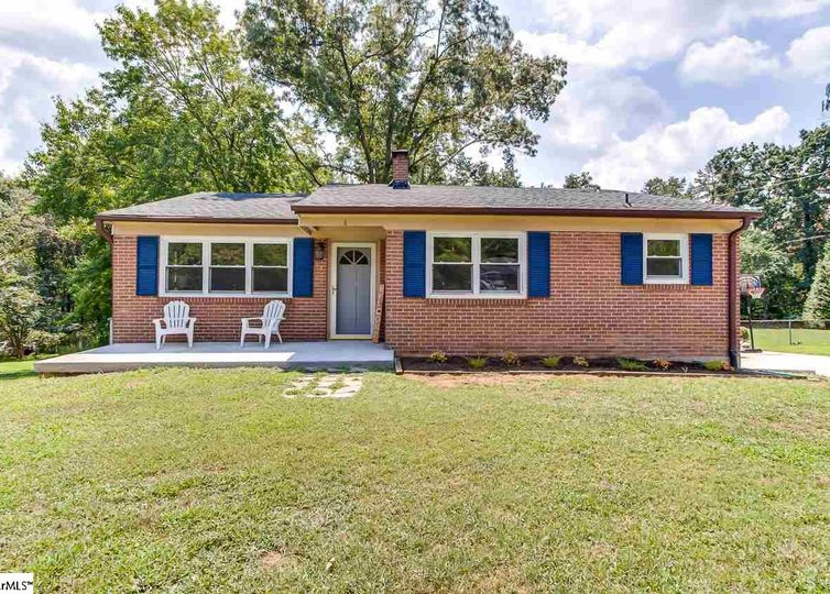 6 Broadleaf Court Taylors, SC 29687