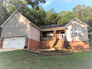432 Trenton Lane Thomasville, NC 27360 - Image 1