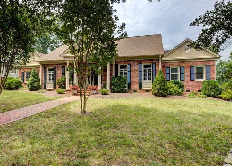 1239 Gatehouse Road High Point, NC 27262