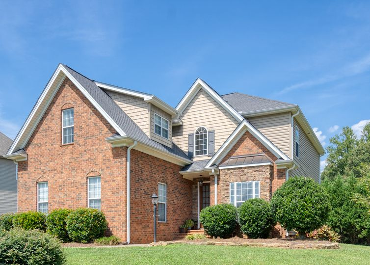 5112 Spiral Wood Drive Clemmons, NC 27012