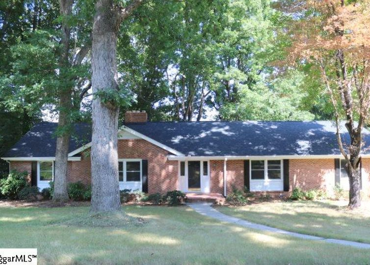 13 Indian Springs Drive Greenville, SC 29615