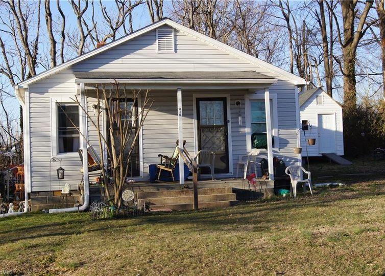 810 Virginia Avenue Thomasville, NC 27360