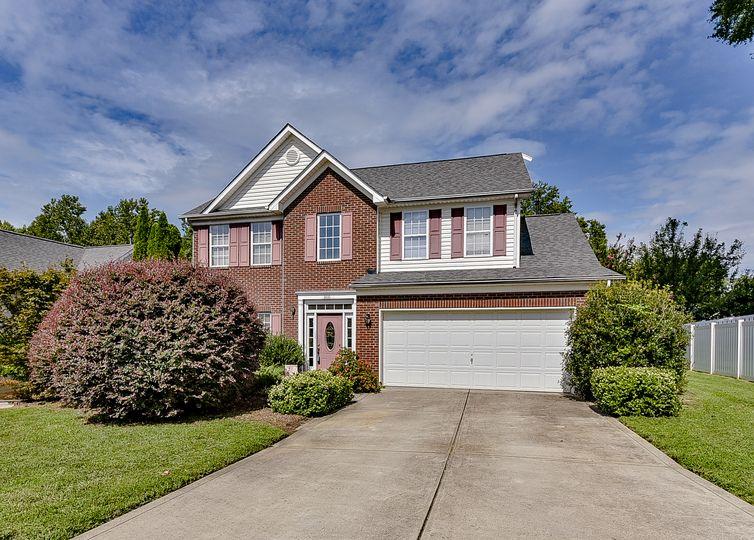3435 Fairfax Woods Drive Matthews, NC 28104