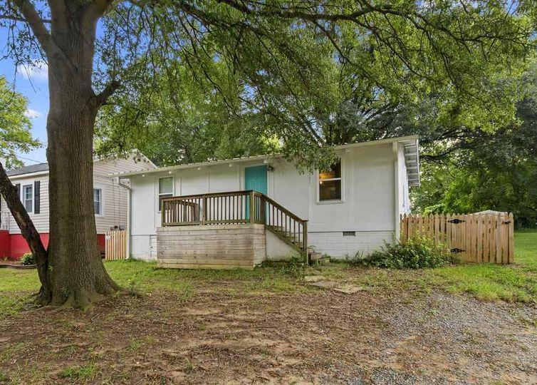 3301 Reid Avenue Charlotte, NC 28208