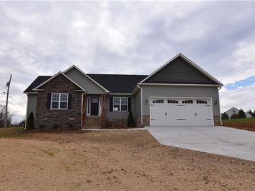 115 English Oaks Lane Thomasville, NC 27360 - Image
