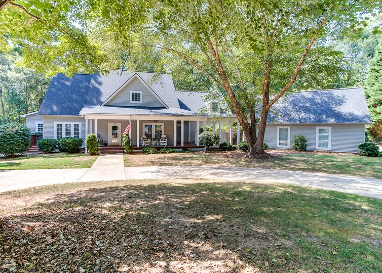 134 Richland Drive Easley, SC 29642