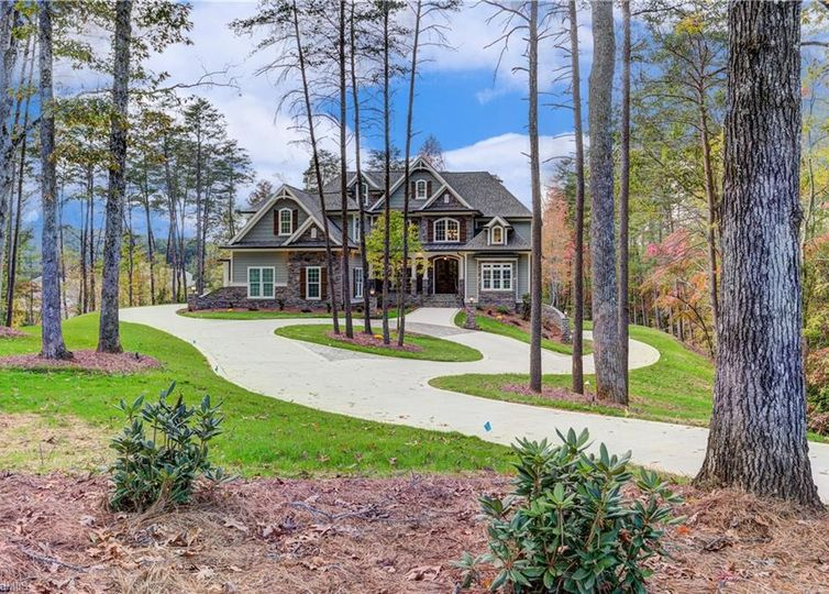 120 Scenic Ridge Place King, NC 27021