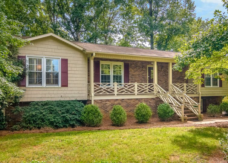 240 Epping Road Clemmons, NC 27012