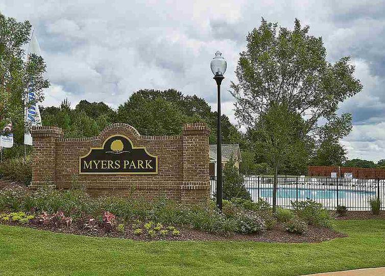 428 Meadowpark Lane photo #1