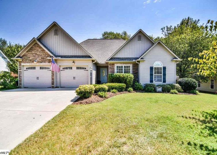 810 W River Grove Circle W Roebuck, SC 29376