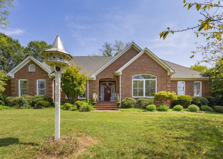 3908 Starmount Drive Greensboro, NC 27410