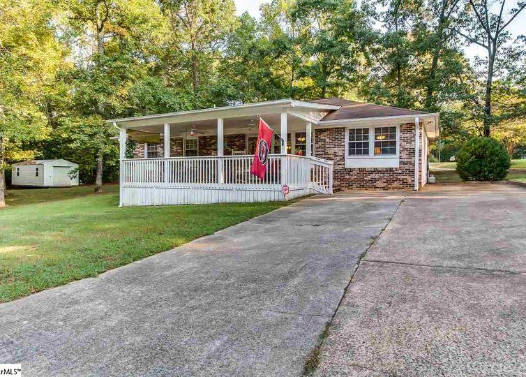 210 Woodlawn Drive Piedmont, SC 29673
